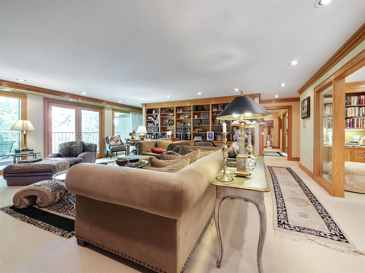 Luxury homes in gorgeous executive retreat in a beautiful setting