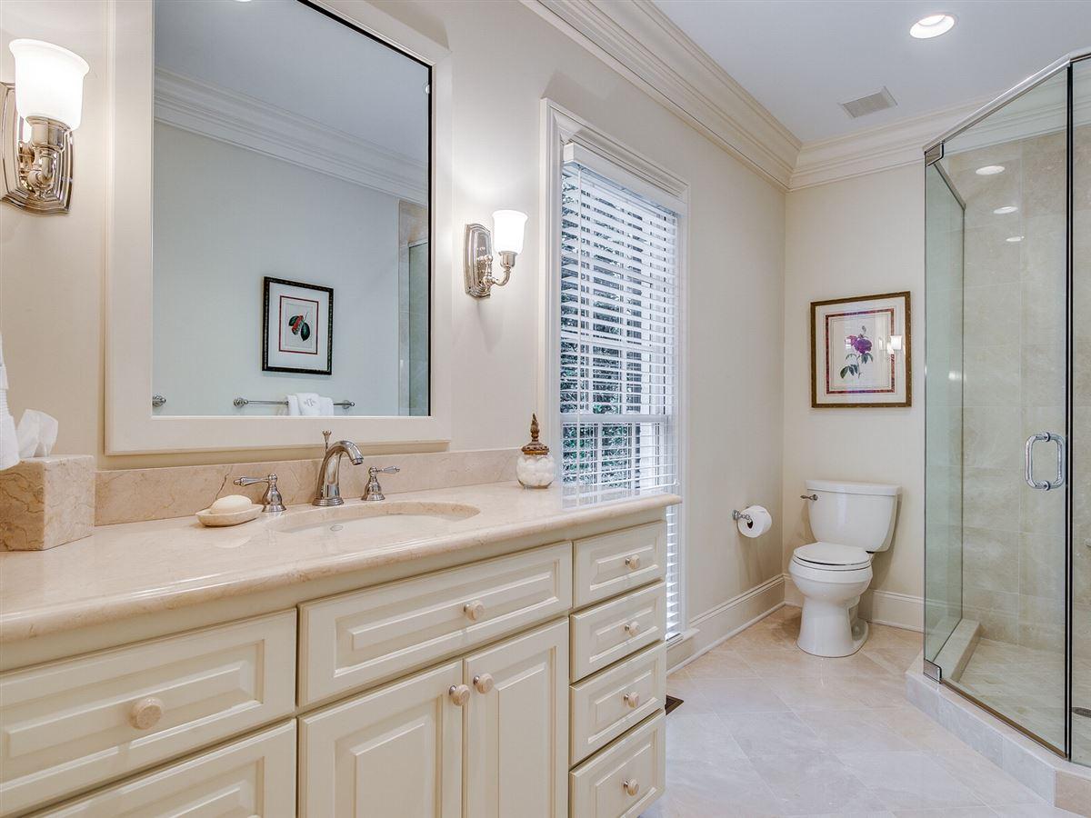 Luxury homes in a beautiful custom home in charlotte