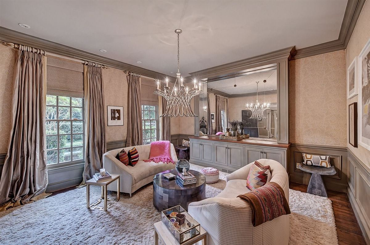 Luxury real estate welcome to this Foxcroft gem