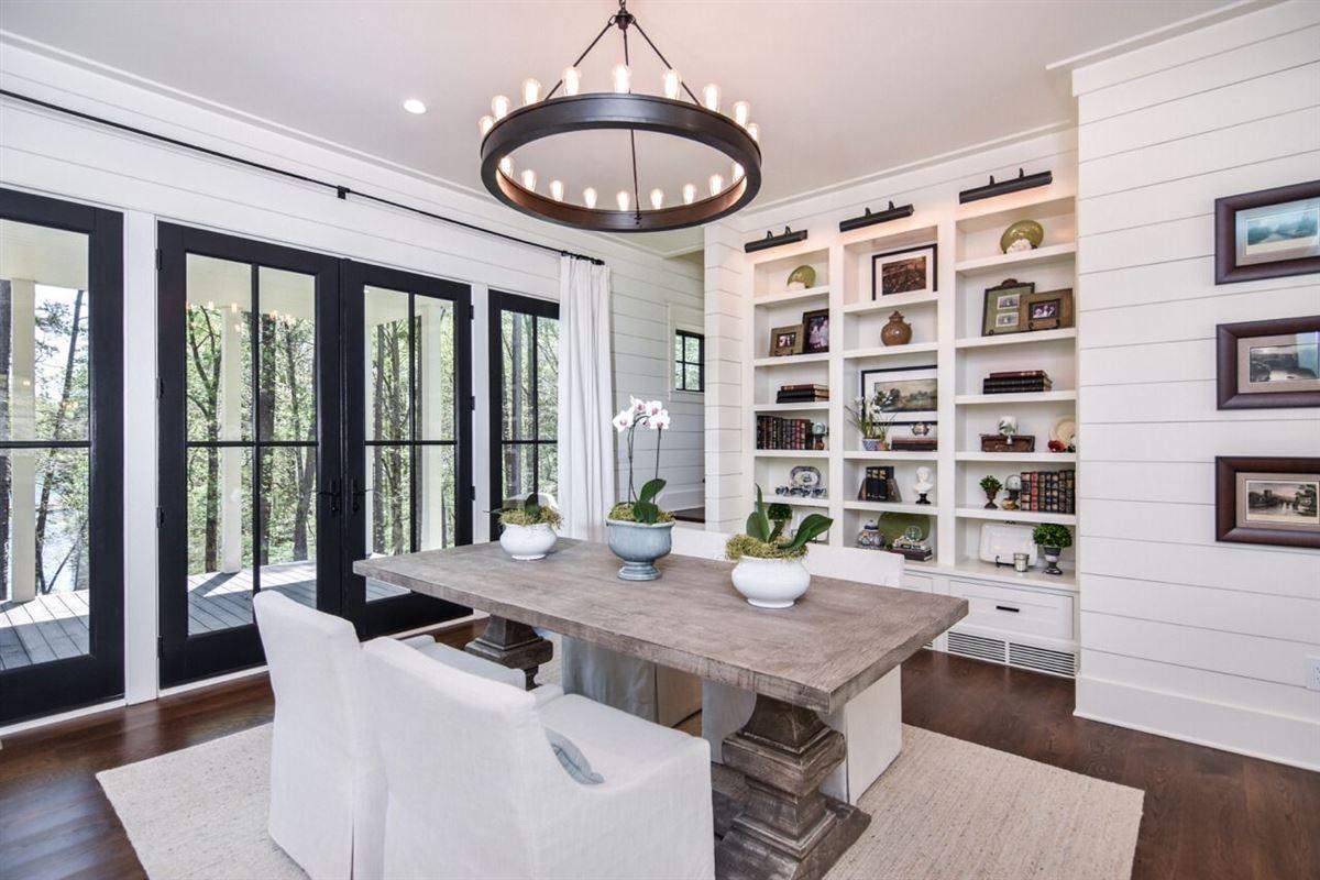 Luxury real estate elegant, modern-farmhouse