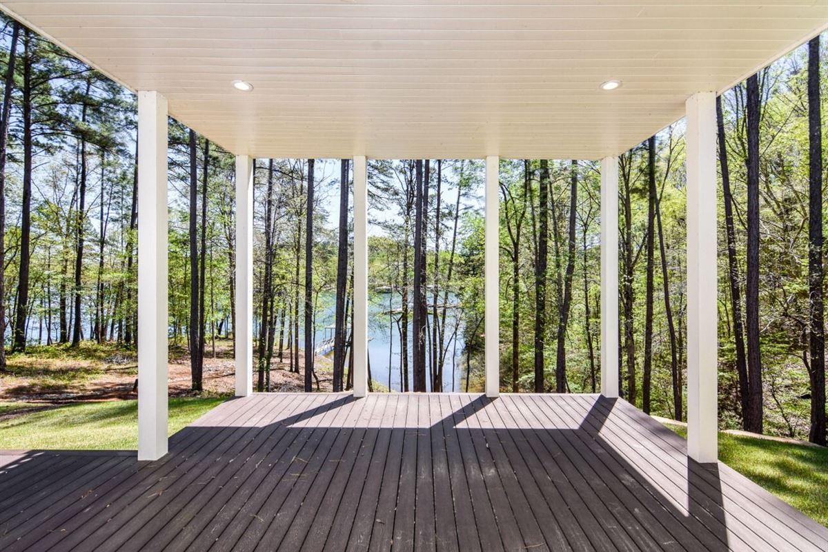 Luxury properties elegant, modern-farmhouse