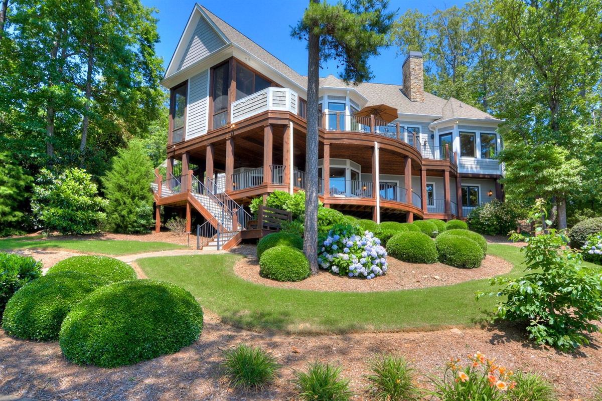 Luxury properties welcome home to 727 Clearlake Pointe