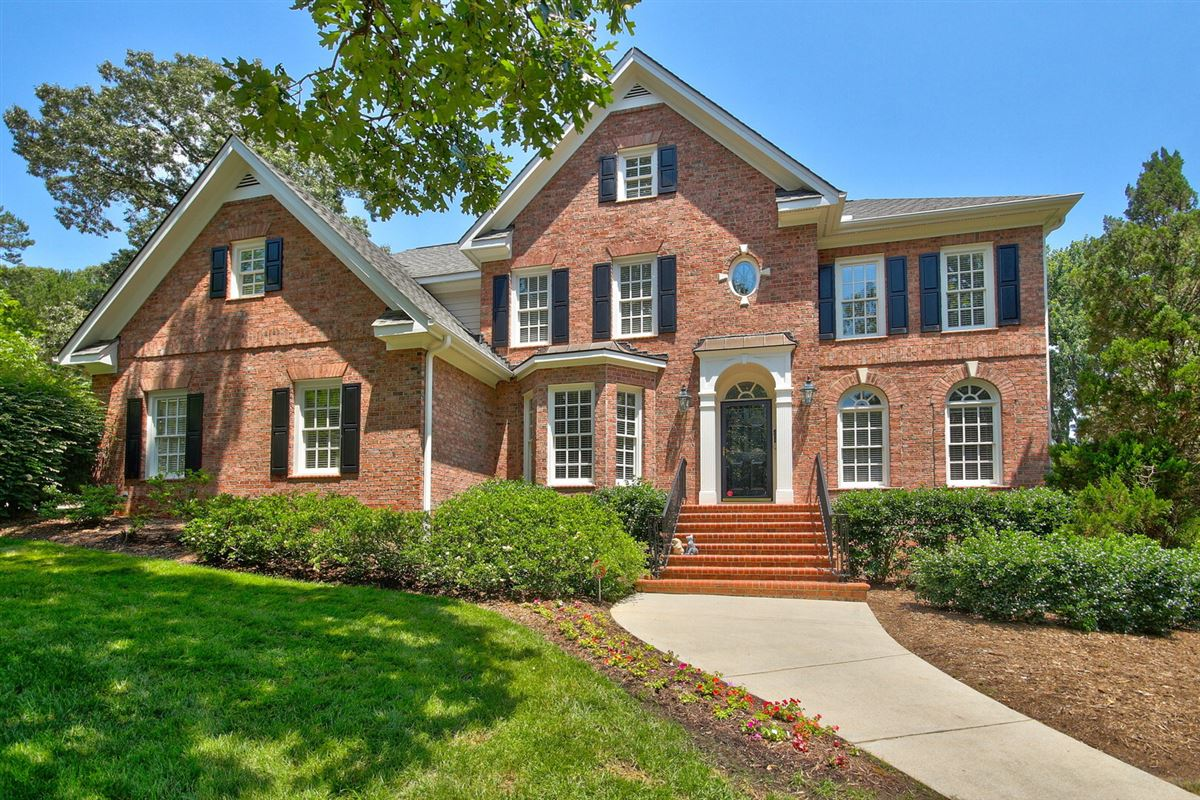 Lovely Home On Coveted Churchill Road