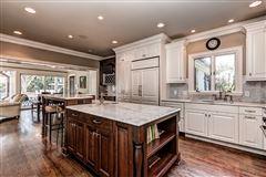 Mansions in desirable address in the heart of South Park