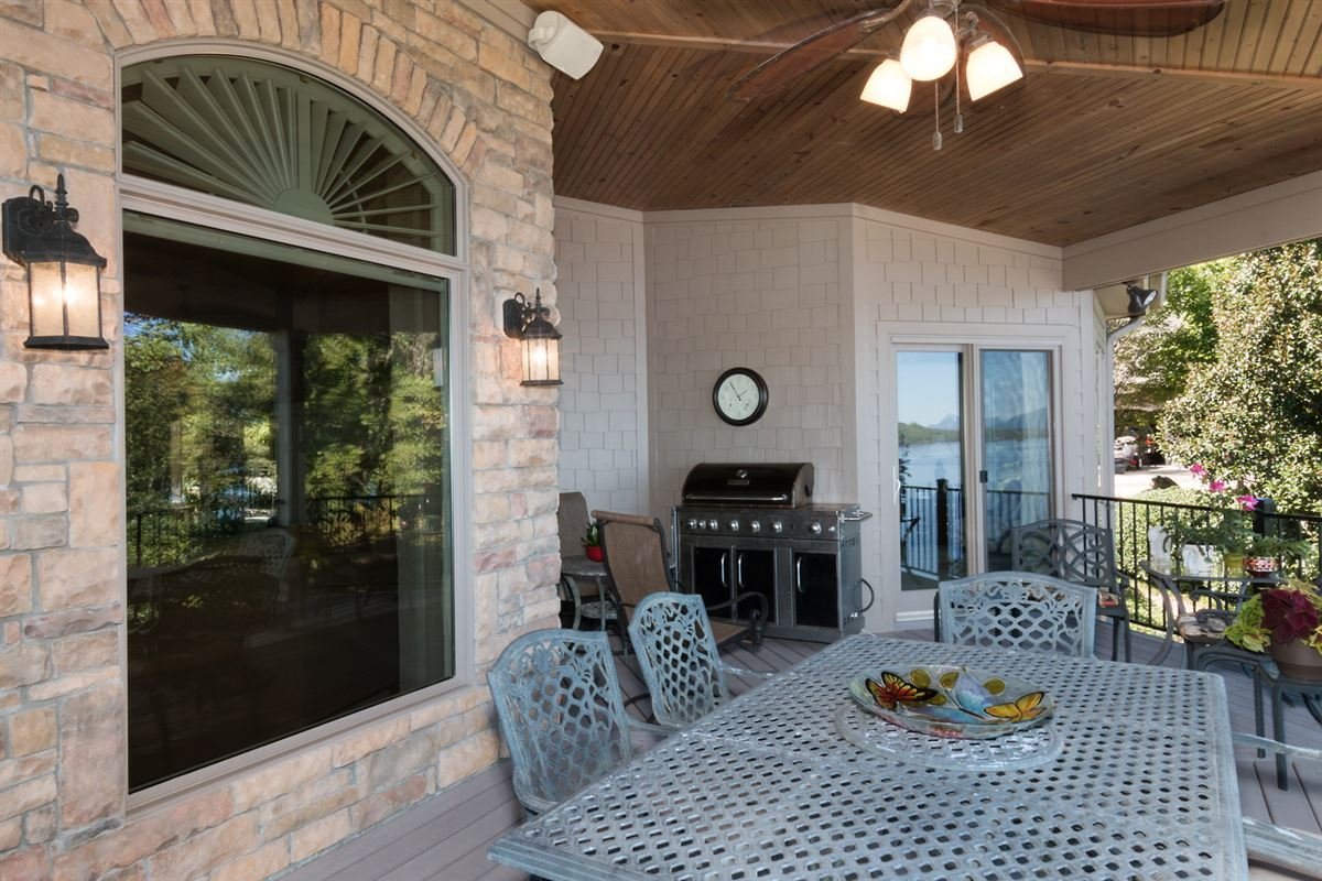 Quality craftsman waterfront living mansions