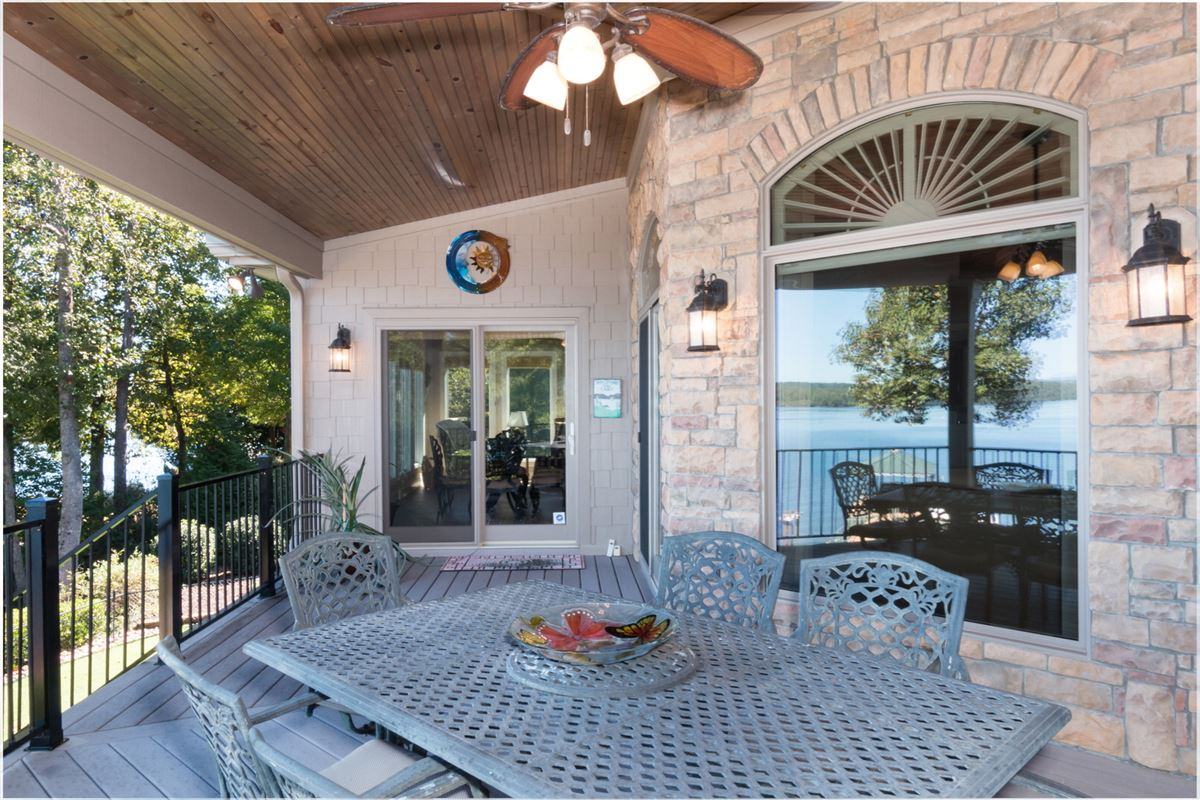Luxury homes in Quality craftsman waterfront living