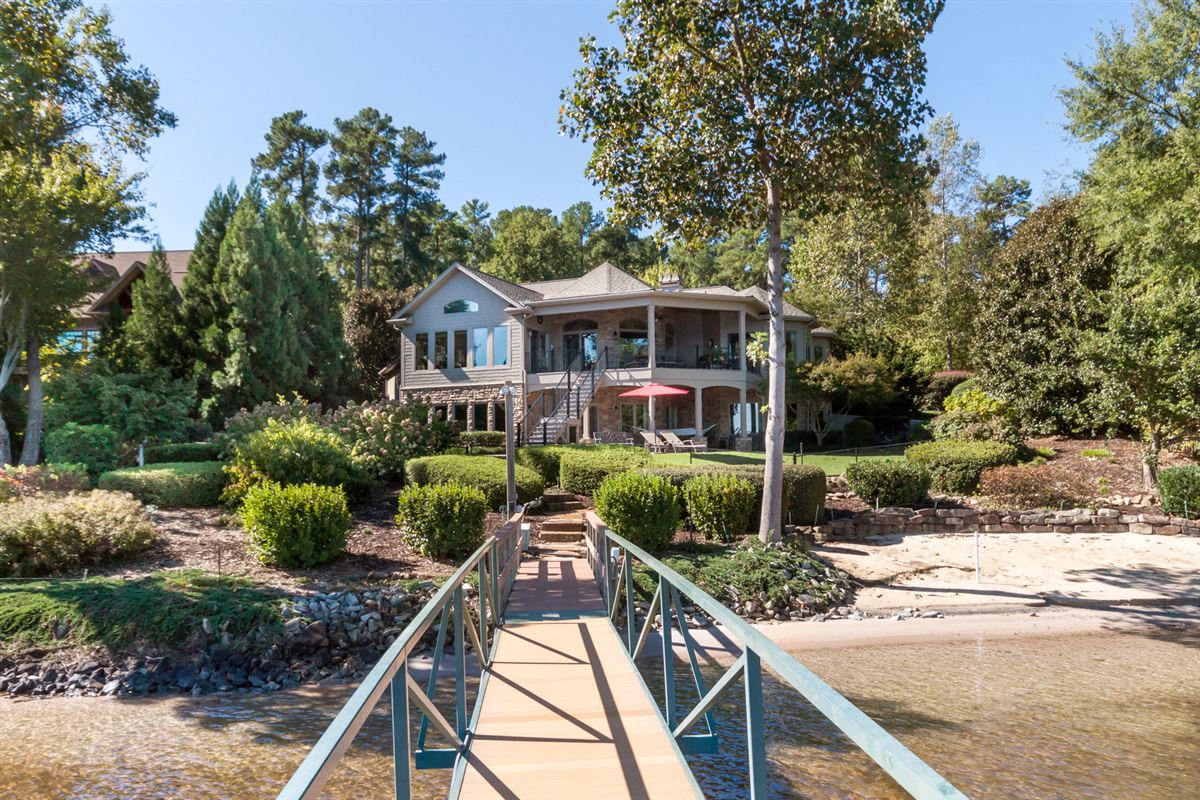 Luxury real estate Quality craftsman waterfront living
