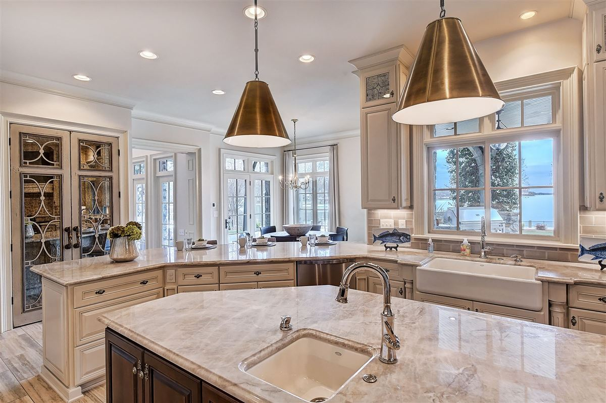 magnificent Lake Norman Waterfront Estate  luxury properties