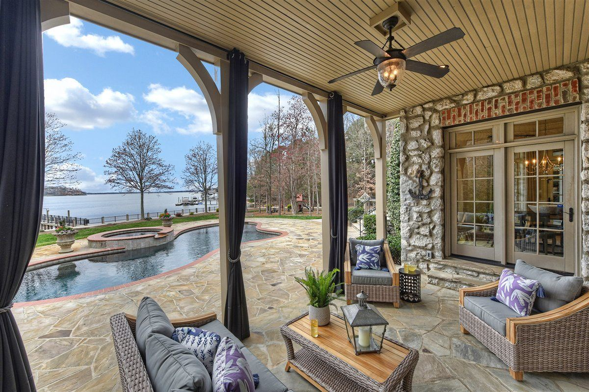 Luxury properties magnificent Lake Norman Waterfront Estate