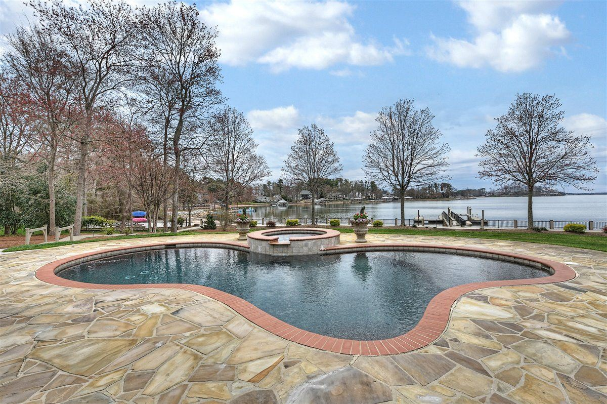 magnificent Lake Norman Waterfront Estate  mansions
