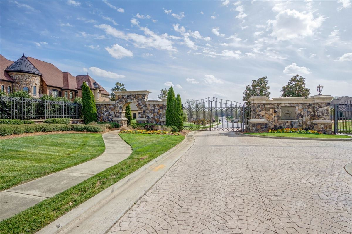 GATED Providence Downs South estate luxury homes