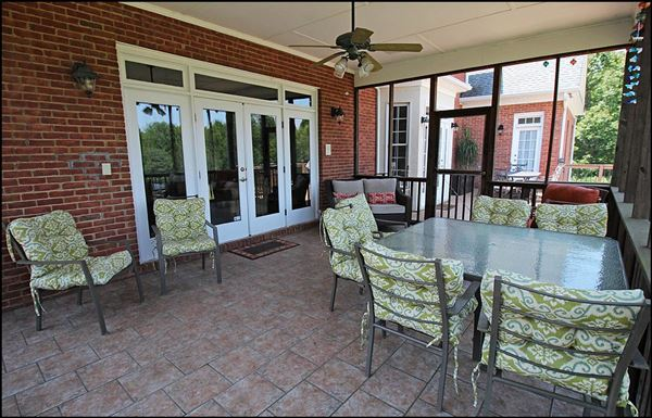Luxury homes amazing property on 71 Gorgeous acres