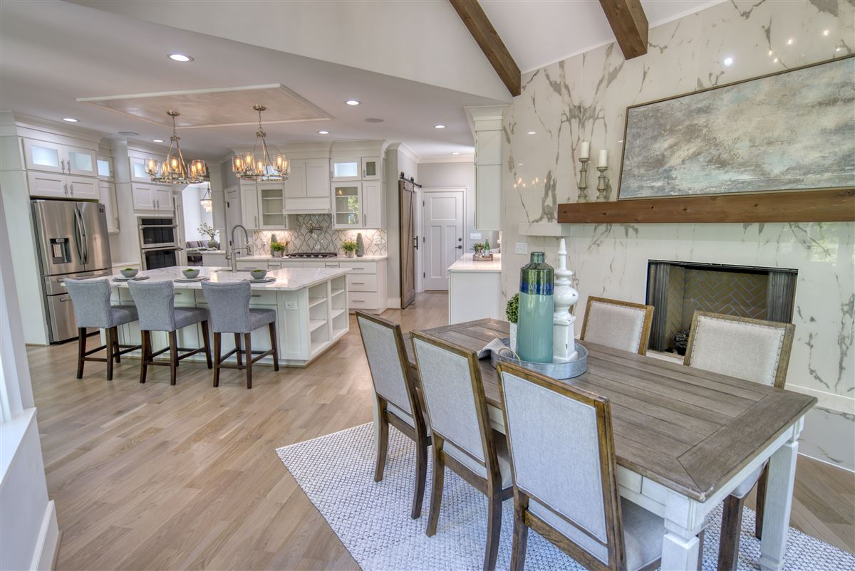Mansions in Gorgeous new limestone waterfront home
