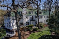 Luxury homes stunning Colonial Revival