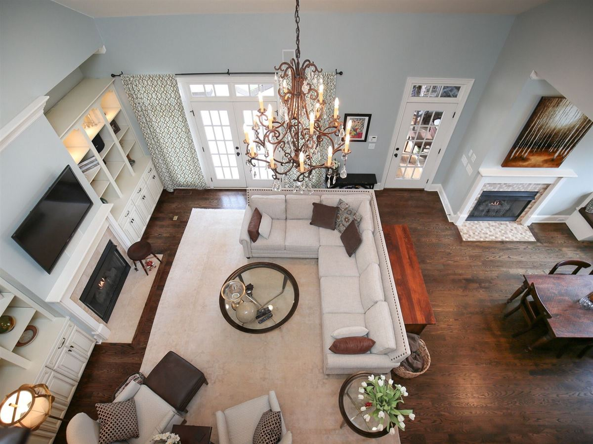 Luxury homes in majestic custom home