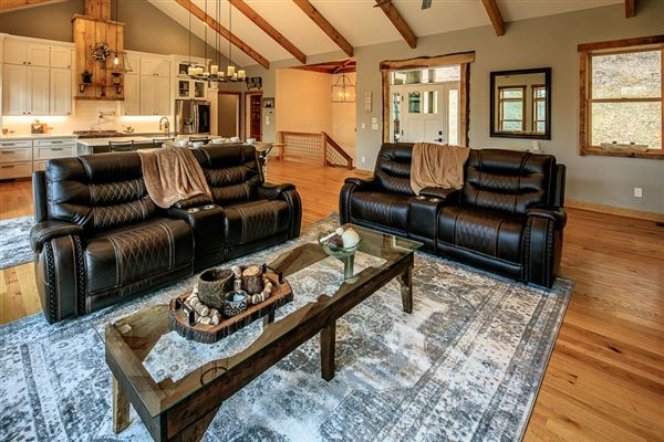 CRANBERRY WOODS RETREAT  luxury real estate