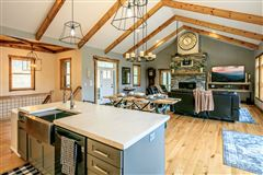 Mansions in CRANBERRY WOODS RETREAT