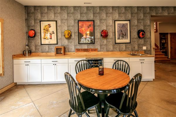 CRANBERRY WOODS RETREAT  luxury homes