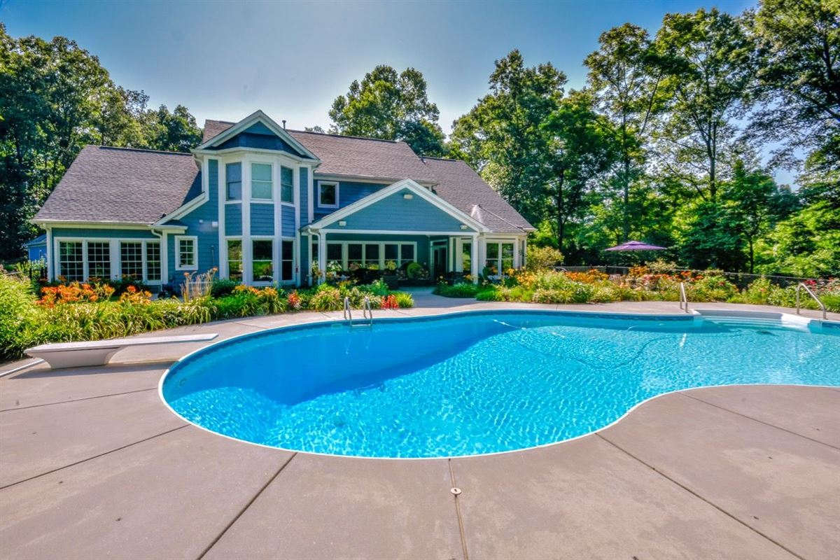 Luxury properties Absolutely stunning home on 20 acres
