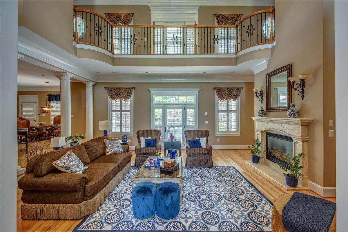 Cramer Mountain Estate mansions