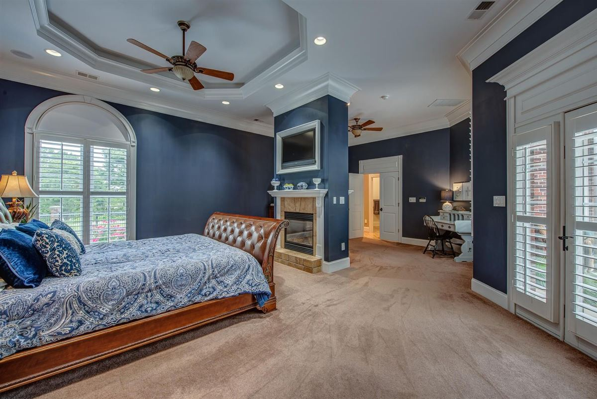 Luxury homes Cramer Mountain Estate