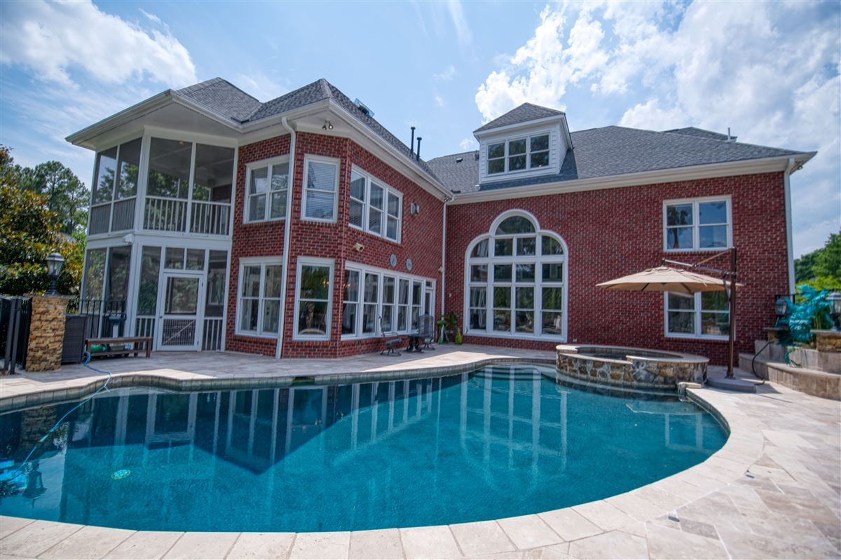 a Spectacular Executive Home luxury properties