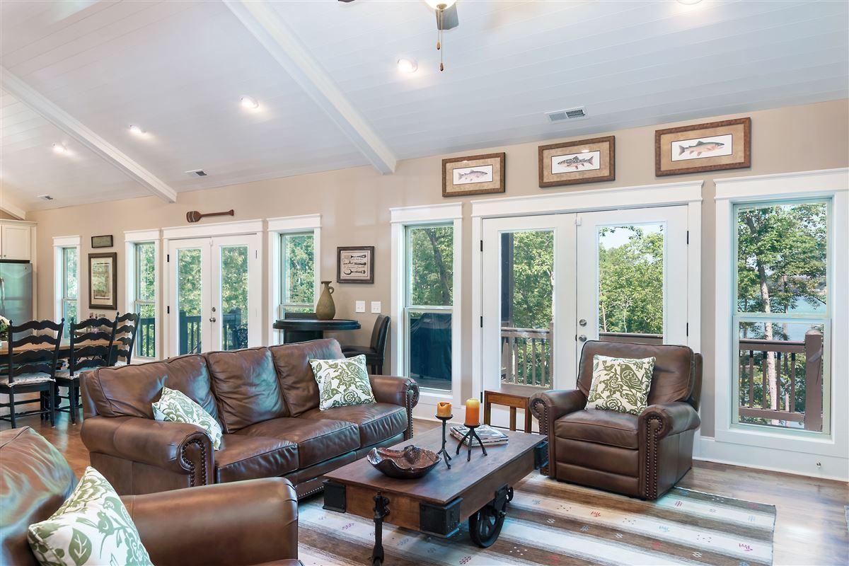 Luxury properties Like-new custom waterfront residence