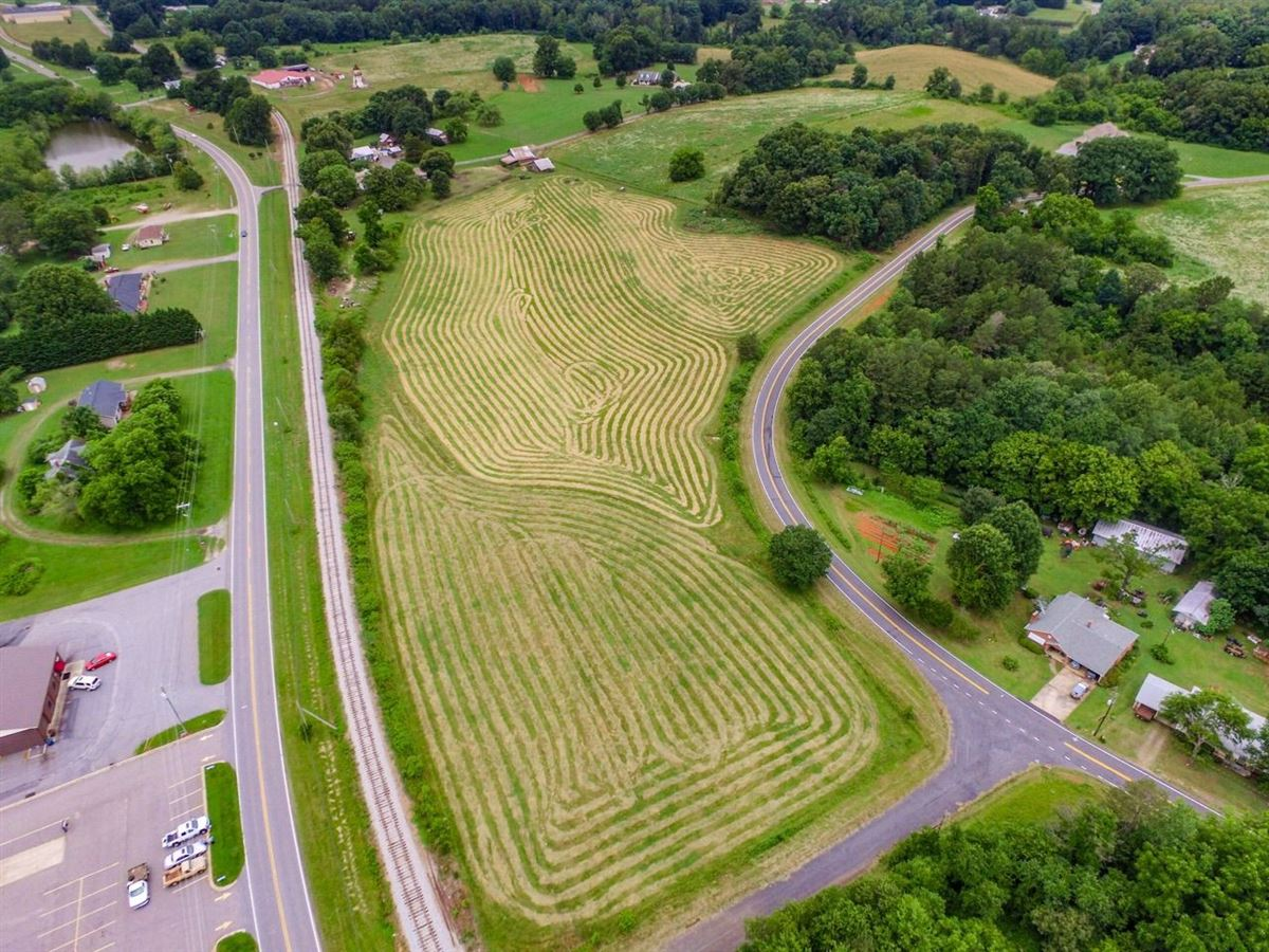 Luxury properties great location for parcels in hiddenite
