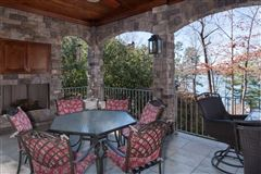 Mansions standout home on Lake Keowee