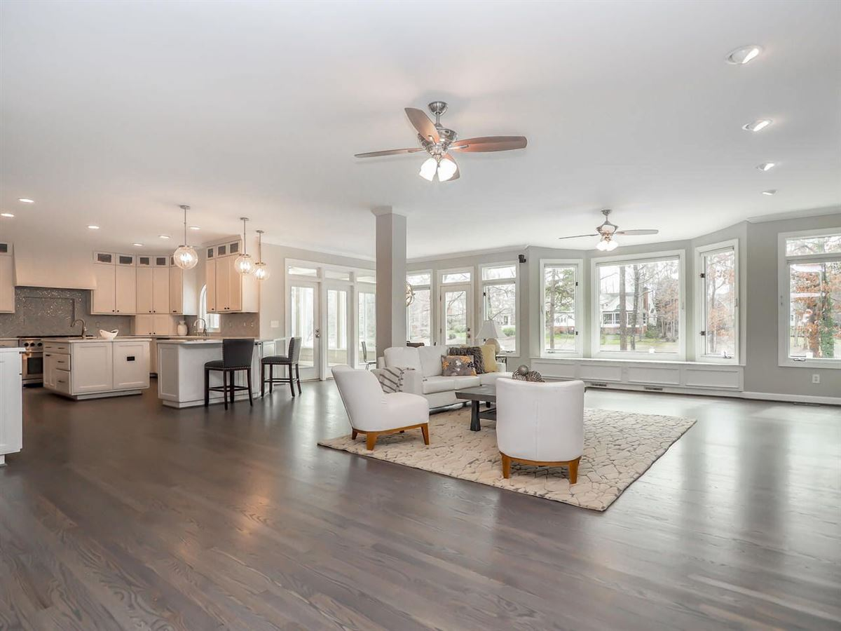 Luxury real estate Stunning home offers a Gorgeous updated kitchen
