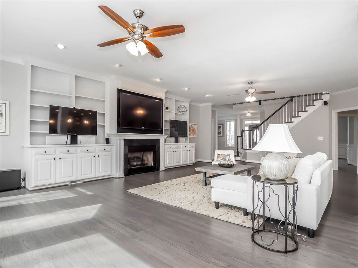 Luxury properties Stunning home offers a Gorgeous updated kitchen