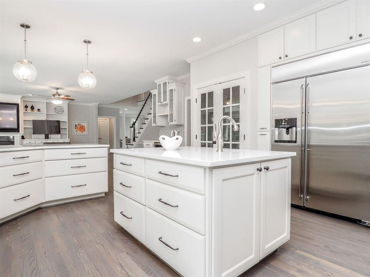 Stunning home offers a Gorgeous updated kitchen  luxury properties
