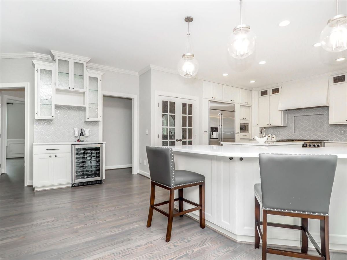 Mansions Stunning home offers a Gorgeous updated kitchen