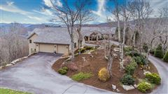 Luxury properties Immaculate mountain estate