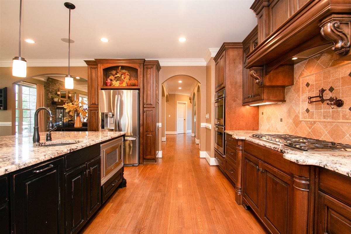 Luxury real estate gorgeous and expansive custom home