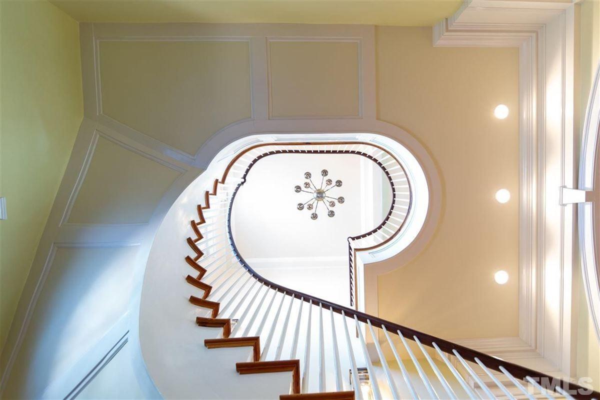 Quaint, Timeless, Breathtaking luxury homes