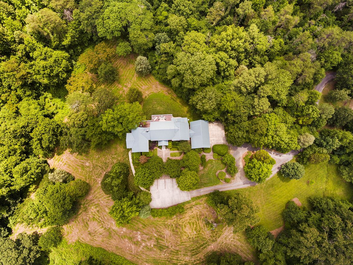 beautiful home on 43 acres luxury homes
