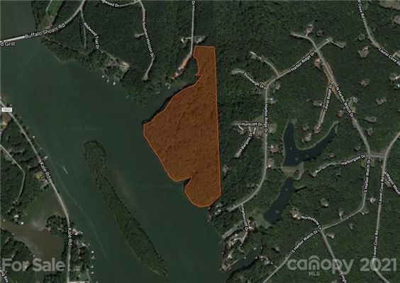 Luxury homes LARGEST PRIVATE UNDEVELOPED PROPERTY ON LAKE NORMAN