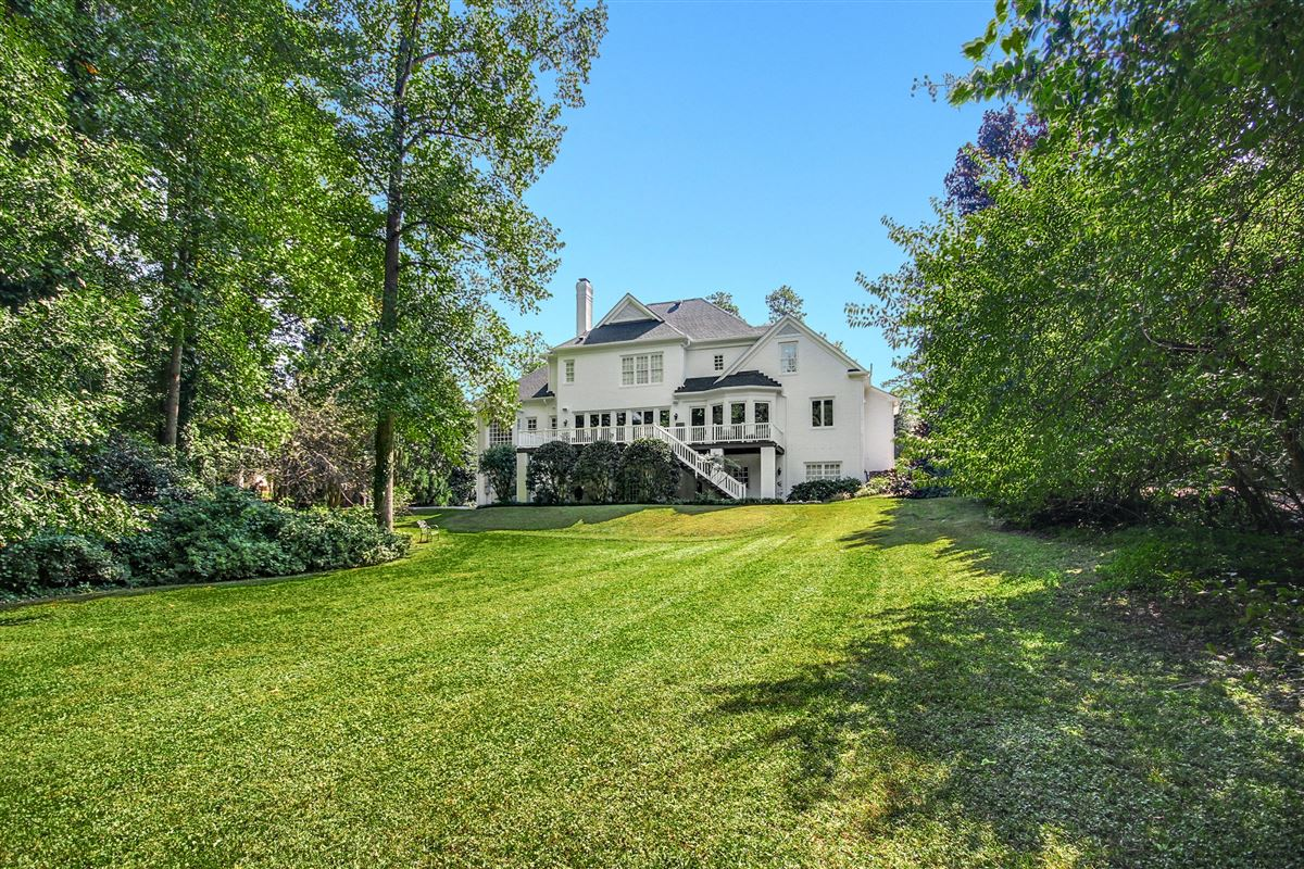 Luxury homes exceptional home beautifully appointed