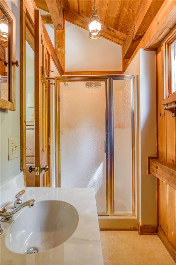 EXCLUSIVE LAKE JOCASSEE HOME luxury properties