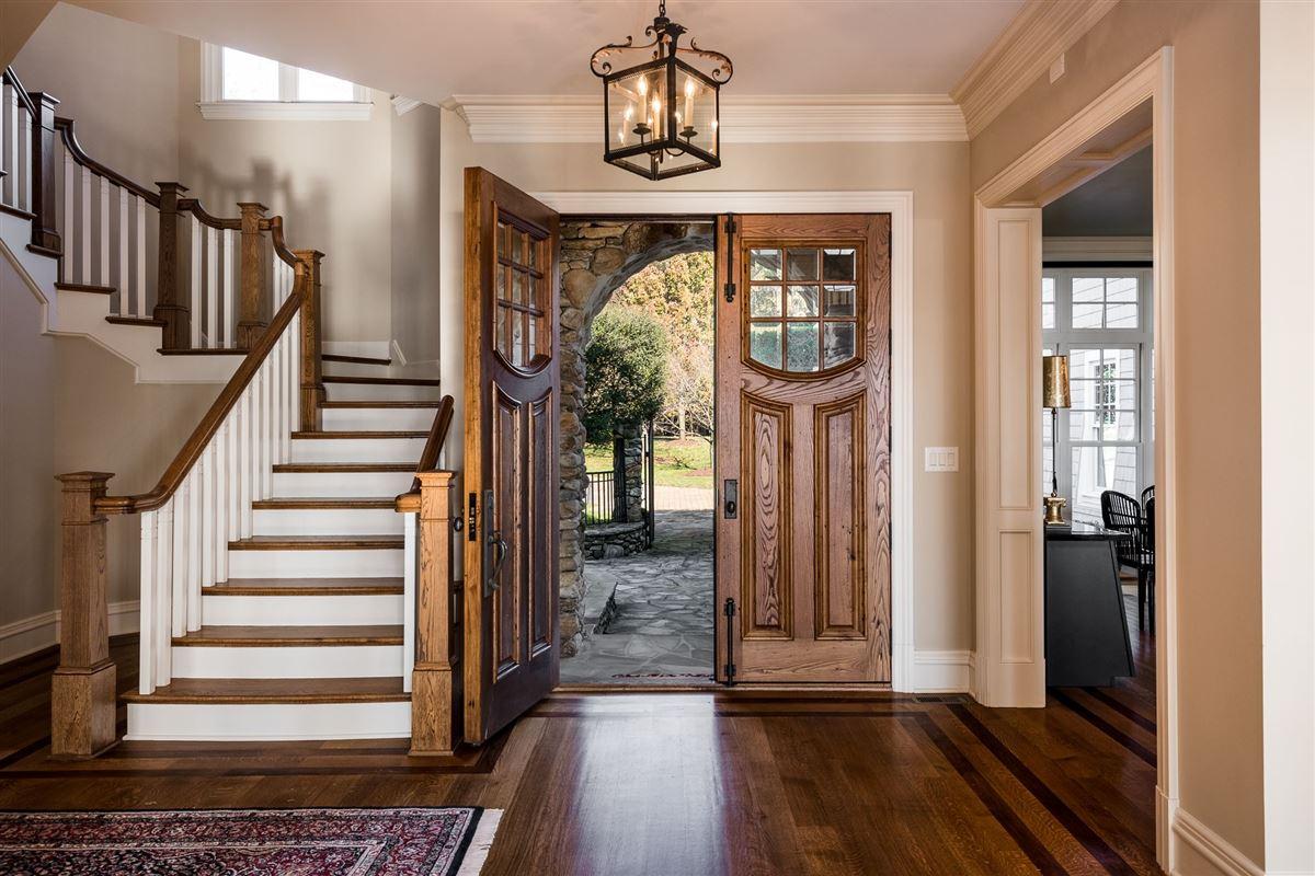 Moonshadows Estate luxury homes