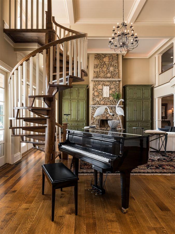 Moonshadows Estate mansions
