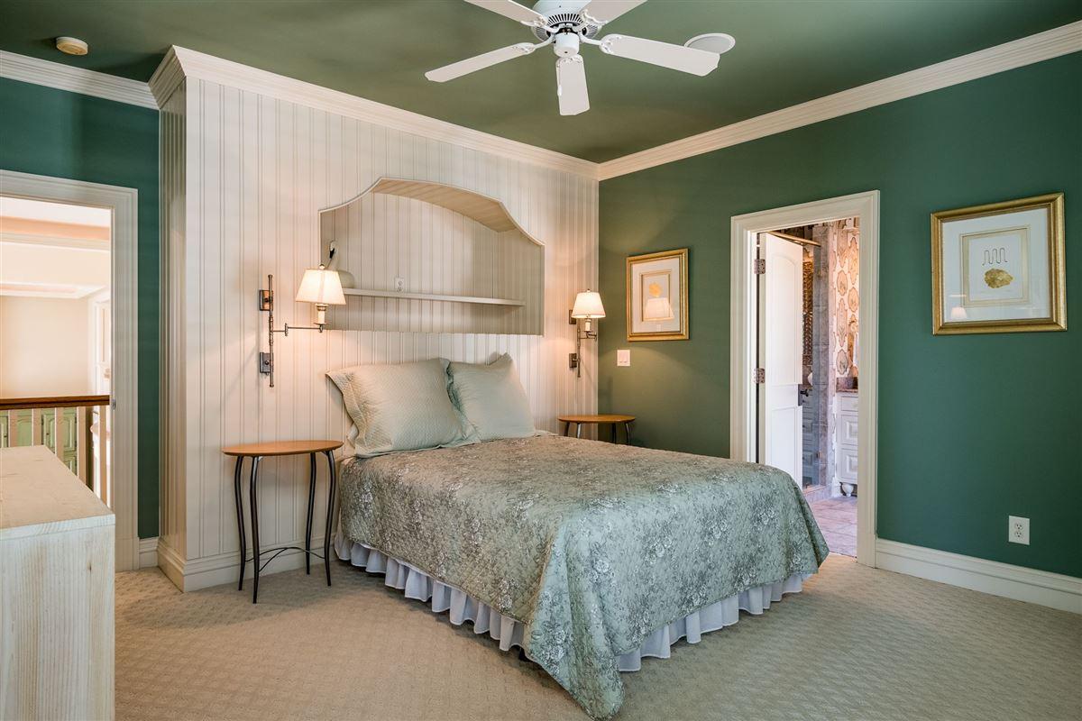 Moonshadows Estate luxury properties