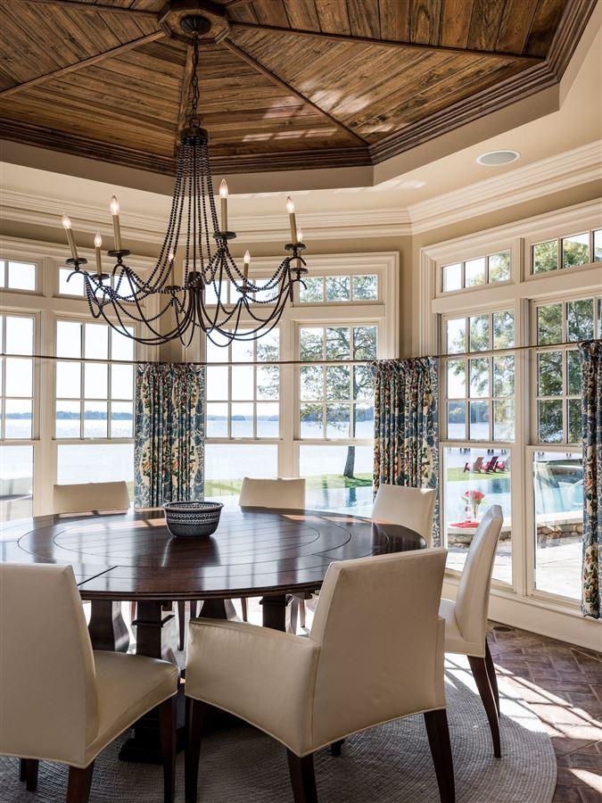 Luxury homes in Moonshadows Estate
