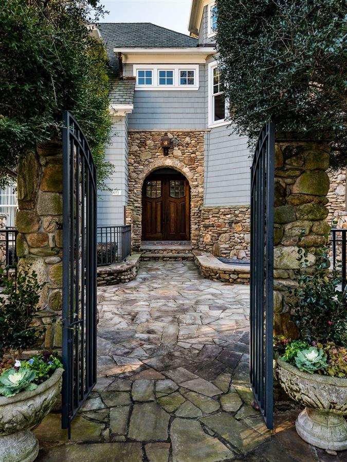 Moonshadows Estate luxury real estate