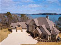 Luxury homes Brand New Luxury Home on Lake Keowee