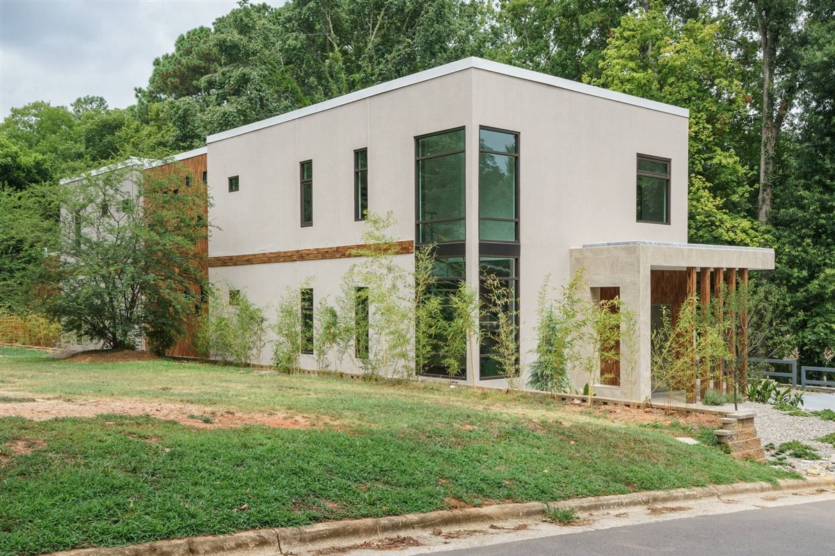 Stunning unique modern beauty in raleigh