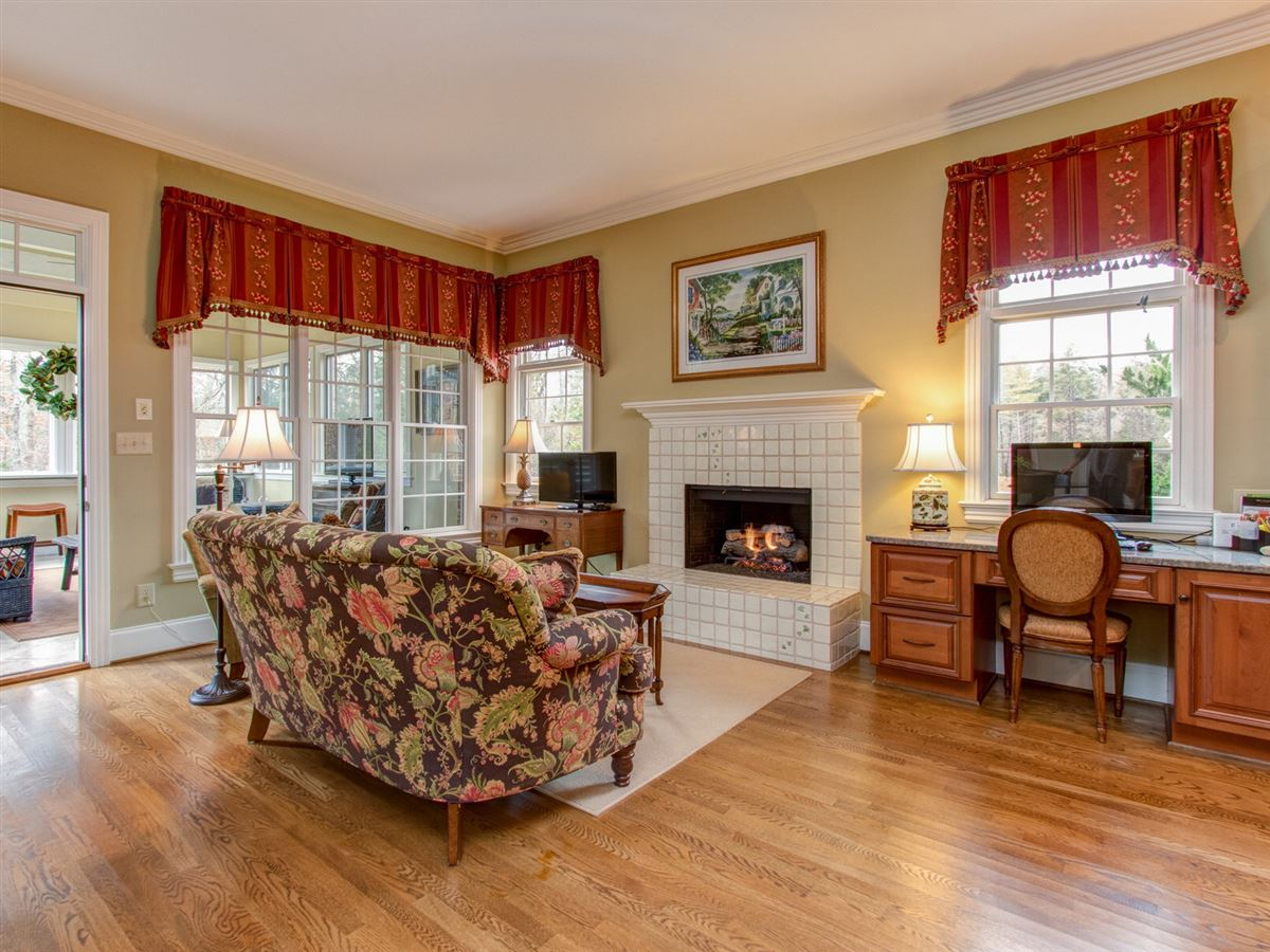 Luxury properties Highly desirable Northern Shores Estates home