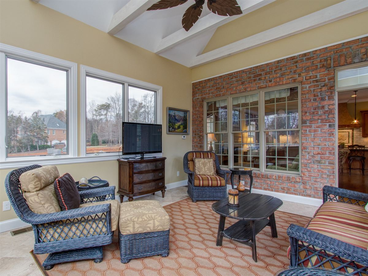 Highly desirable Northern Shores Estates home luxury properties
