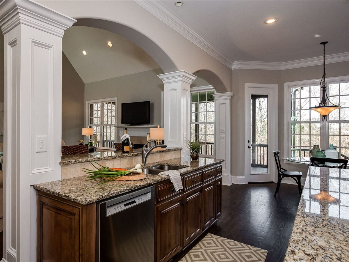 Luxury properties Lake Wylie Oasis